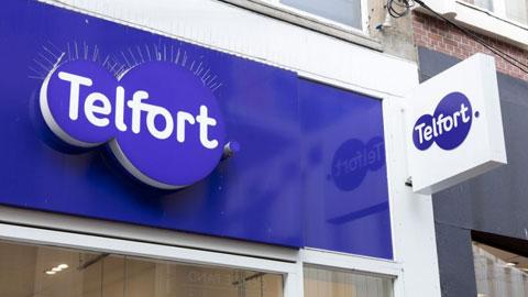 Telfort sluit winkels