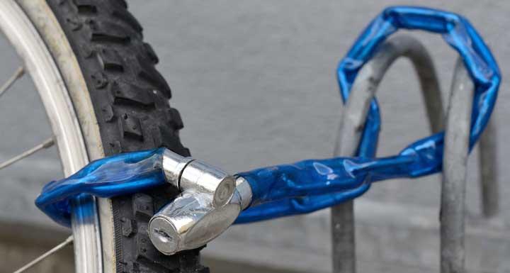 fietsslot aan voorwiel
