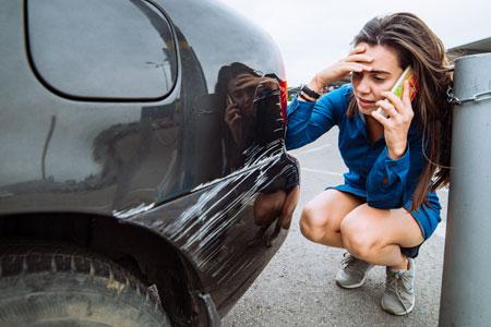 schade aan geleende auto