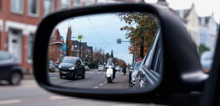 scooter minder zichtbaar in verkeer