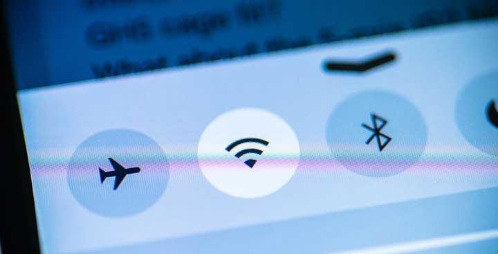 vliegtuigstand wifi bluetooth