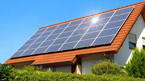 zonnepanelen en energieleverancier